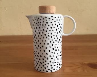 Olive oil porcelain jar with cork