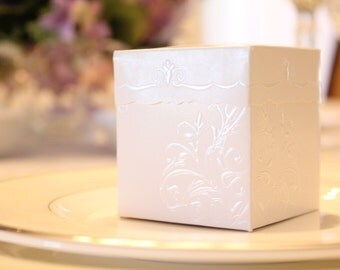 Embossed White Wedding Favor Box - 6 boxes - Great for Showers and Weddings!