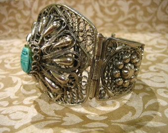 Vintage Ethnic Silver Cuff BRACELET with Scarab Stone