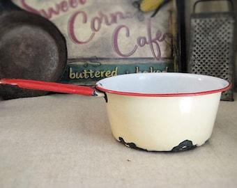 Vintage Kitchen Decor / Enamelware Pot - Ivory/White with Red / Vintage Enamelware Pot with Handle/ Retro Kitchen / Planter/Pot