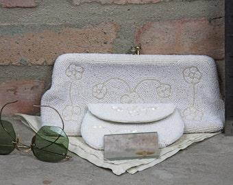 white Beaded evening bag from Japan with coin purse and mirror Vintage