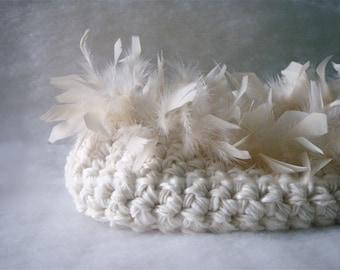 Newborn Basket Photo prop Baby Newborn Cocoon Prop White milk Newborn nest Photography prop  Baptism  Crochet White Baby Nest whit feathers
