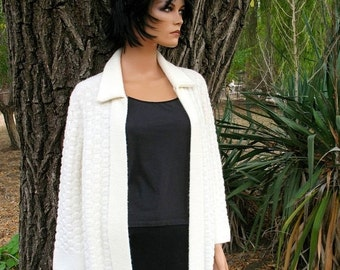 Very Hip 60s Winter White  Sweater Coat by BANFF Sweater Bee MINT Condition