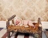 Newborn Photo Prop - Log Bed