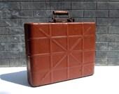 Vintage Metal Case with Handle / Weathertight Metal Case / Military Surplus Metal Case / Storage Organization / Metal Storage Case / Painted