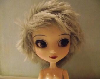 SALE Light grey grayfluffy shaggy faux fur wig for Pullip / Taeyang