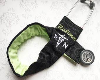 Personalized Stethoscope Cover, Registered Nurse, Gift for Nurse, Veterinarian Gift, EMT, Paramedic, Vet Tech - Black Scroll with Green