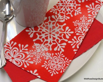 Red & White Nordic Snowflakes Christmas Holiday Cloth Napkins // Set of 4