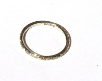 Antique Edwardian British 18k White Gold Narrow Floral Cut Wedding Band Ring sz 4.5