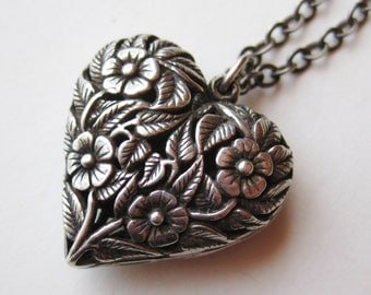 Vintage Sterling Silver Filigree Large Art Deco Heart Necklace Pendant & Chain