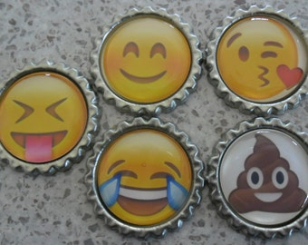 5 x Emoji Inspired Flattened Silver Bottle Caps - Great for Jewellery, Cards, Keyrings