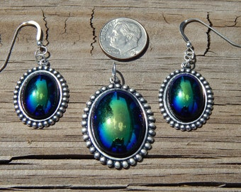 Gulf Shores Blue Pendant and Earring Set!!!!