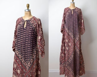 1970s Indian Cotton Caftan / 70s Block Print  Angel Sleeve Dress