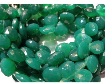 55% ON SALE Green Onyx/ Emerald Green Onyx/ Heart Briolettes/ Faceted Gemstones 18 Pieces - 3.5 Inch Strand - 11mm Approx.