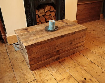Rustic Chunky Trunk Chest Coffee Table Made With Pallet Wood