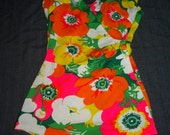 Bright Floral Print  Vintage 1960's Women's Robby Len Bathing Suit Swimsuit S M
