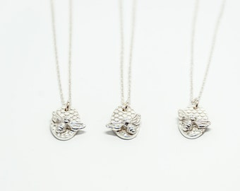 Silver bee pendant (with customised initial)