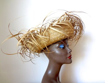 1950s Sun Hat - beach resort straw hat - vintage tiki accessory