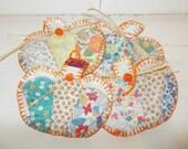Set of 4 vintage quilt pumpkin gift tags, coaster set, scrapbook, primitive quilt, autumn fall decor, gift wrapping, mini mug rug
