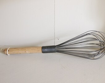Vintage Wire and Wood Whisk, Wire Whisk, Vintage Whisk, Vintage Kitchen, Utensil