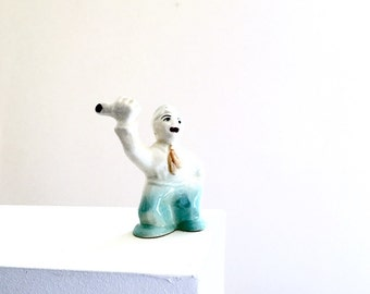 Vintage Salt Shaker TREVEWOOD Hitchhiker Hobo Bum Figurine - 1940s 1930s Kitsch Home Decor - Odd Quirky Clown - Collectible Abingdon Pottery