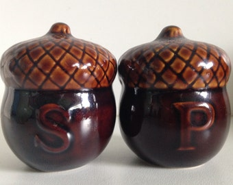 Vintage Acorn Salt Pepper Shakers