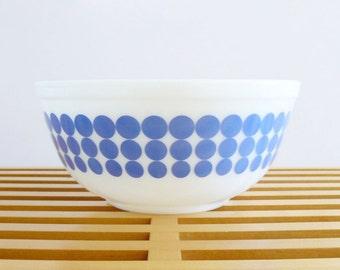 Mid-Century Mod Pyrex Blue Dot Nesting Mixing Bowl 2.5 qt