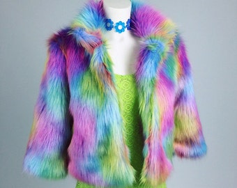 90's Rainbow Swirl Shaggy Faux Fur Cropped Jacket // S - M - L