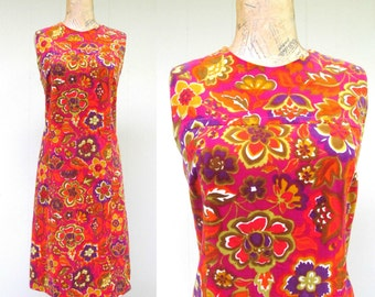 Vintage 1960s Dress / 60s Floral Velveteen Shift / Medium