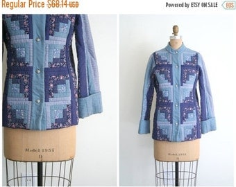 SALE / handmade OOAK 1970s quilted patchwork ladies jacket - cotton calico quilt jacket / Slate Blue - 70s folk craft / hippie jacket