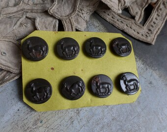 Old French metal buttons unused still on card  Deers Hunting theme 1900s