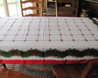 Vintage Retro Christmas Tablecloth 8 napkins