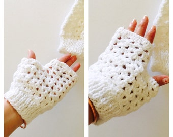 White Fingerless Glove, Crochet, Romantic, Woman Accessory, Vintage Inspired, Made in the U S A, tem no. BDE002