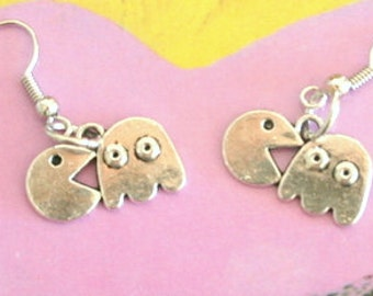 PAC MAN Earrings...silver. antique silver charm. novelty earrings. video game. retro. kitsch. boho. urban. hipster. hippie. indie. handmade