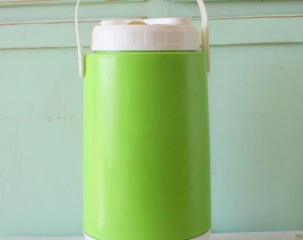 Vintage RETRO THERMOS..mid century. green. decor. retro. kitschy. campy. serving. eating. lunch. dinner. vintage housewares. kitchen. bright