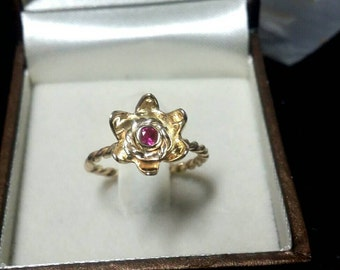 Gold ring 14k pink ruby twist band, Gold flower ring, Gold ruby ring, ruby flower ring, twist ring, gold ring. pink ring.