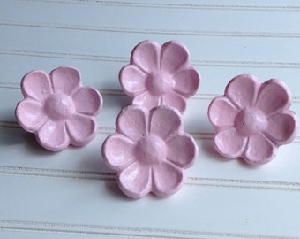 Cast Iron, Cabinet Knobs, Flowers, Drawer Pulls, Closet Door Knobs, Girls Decor, Pink, Shabby Chic, Cupboard knobs, Bath Decor, Set of 4, PC