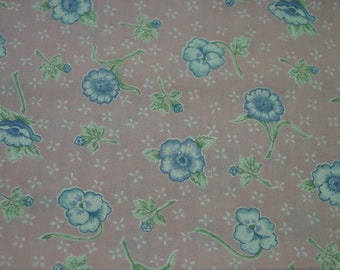 "Vintage Cotton Fabric c.1960's Sweet Pink Print, 44"" Wide, x 37"""