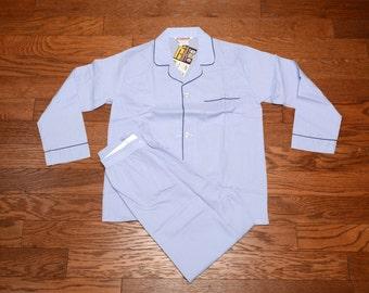 vintage mens pajamas sky blue button coat pajamas McGregor broadcloth mens vintage pajamas deadstock NOS 38 40 medium