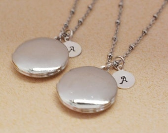 personalized silver locket, friendship locket, plain locket pendant, layering necklace, men jewelry, round locket, bridesmaid, monogram gift