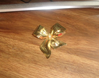 vintage pin brooch goldtone bow ribbon rhinestones