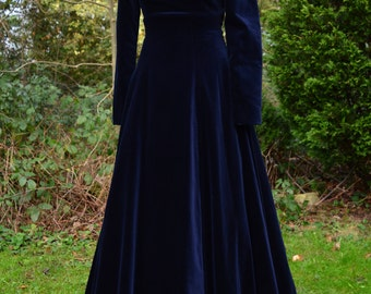 Laura Ashley ballerina length navy blue velvet button back dress size S