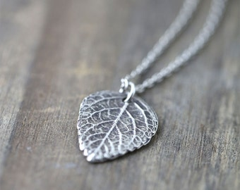 Silver Leaf Pendant Necklace, Summer Outdoors Sterling Silver Necklace, Friend Gift, Gift for Mom, Girlfriend Gift, Wife Gift,