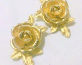 Vintage Sarah Coventry American Beauty Gold Tone Rose Earrings
