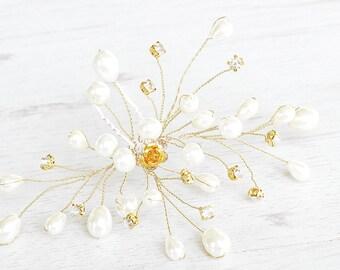 Handmade wedding pearls hairpins. Bridal pearls hairpins. Handcrafted bridal pearls hairpiece. Pearl Flower hairpins. Gold hair pins wedding