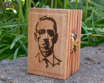 Cthulhu HP Lovecraft small PROP Box