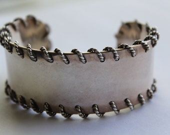 Sterling silver Cuff Bracelet with Threaded Rope Design - Stamped 925 - 60.3 GRAMS