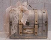 Wedding Card Box / Wedding Card Holder / Rustic Card Box / Vintage Style Wedding Trunk / Wedding Decorations / Suitcase Cardholder