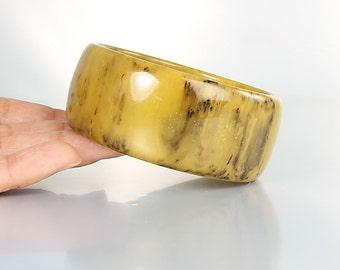 Mustard Bakelite Bracelet, Thick Marbled Bakelite Bangle, Vintage Mod 1960s Jewelry