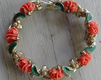 Vintage bracelet pink rosebuds, enameled leaves and pearls